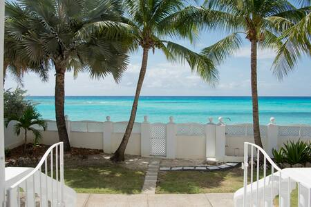 Seaforth - South Coast Beach Villa