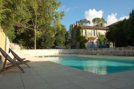 belle maison charentaise - Saintes