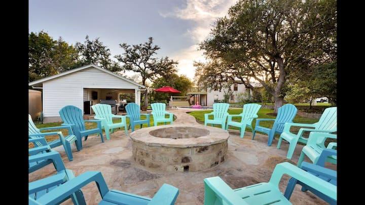 Unwind @ Secluded Resort, Prv Pool, Tennis & More