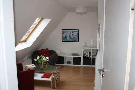Dachgeschoss-Zimmer mit Flair - Bad Oeynhausen