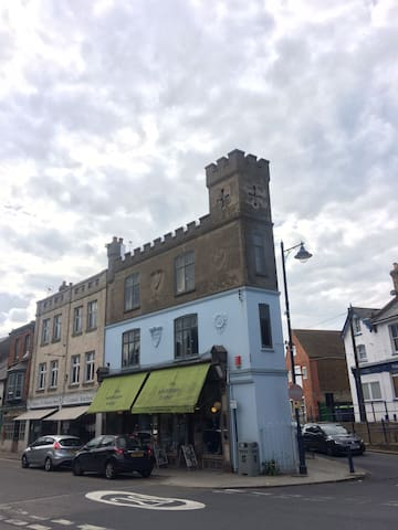 Stunning Victorian Maritime Castle in Whitstable - Whitstable