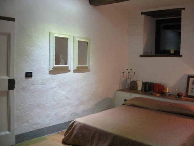 Camera con terazzo e bagno - Montefioralle - House