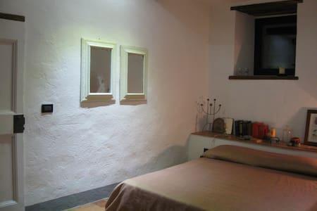 Camera con terazzo e bagno - Montefioralle - Casa