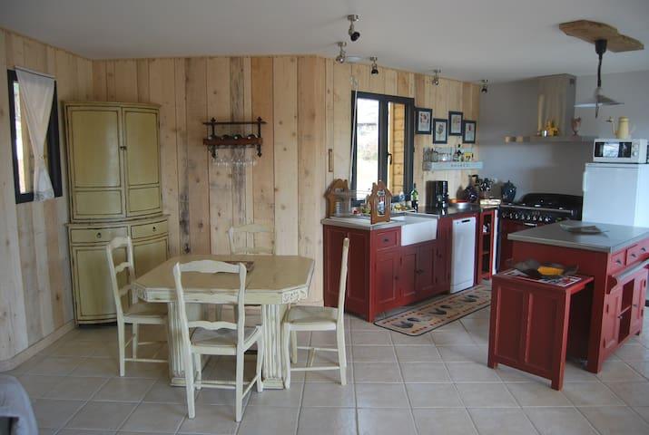 maison en bois proche de sarlat - nadaillac - Casa
