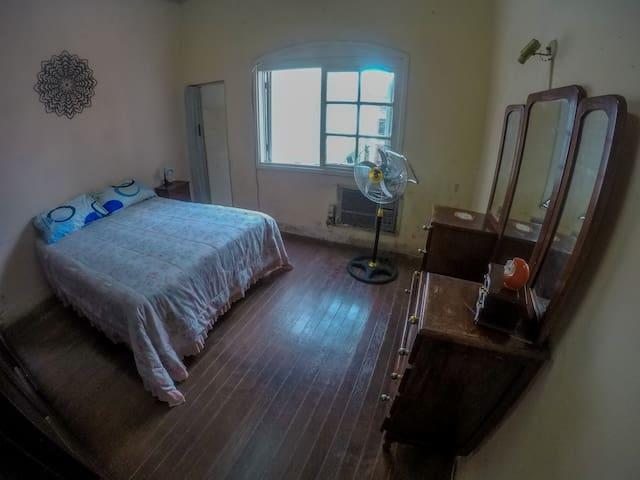 Habitación privada con baño en pleno centro