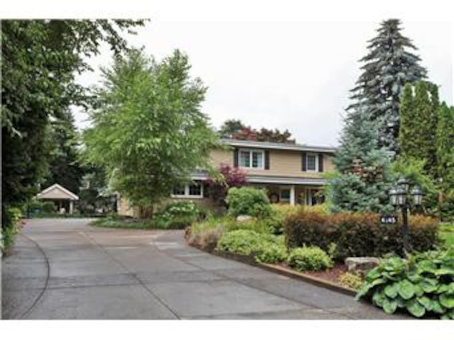 Lovely 4 bedroom home on private lot