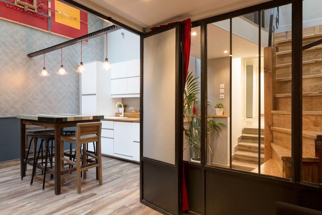 magnifique petit loft atelier appartements louer paris le de france france. Black Bedroom Furniture Sets. Home Design Ideas