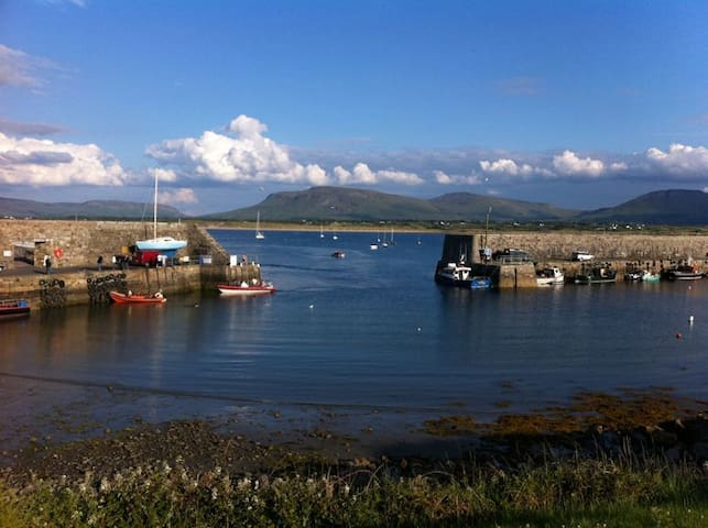 Mullaghmore seaside house sleeps 6