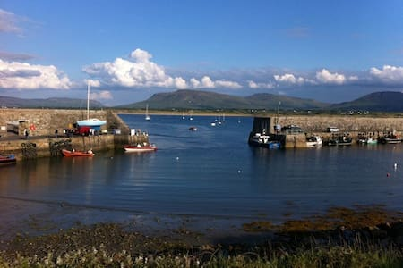 Mullaghmore seaside house sleeps 6 - Mullaghmore - บ้าน