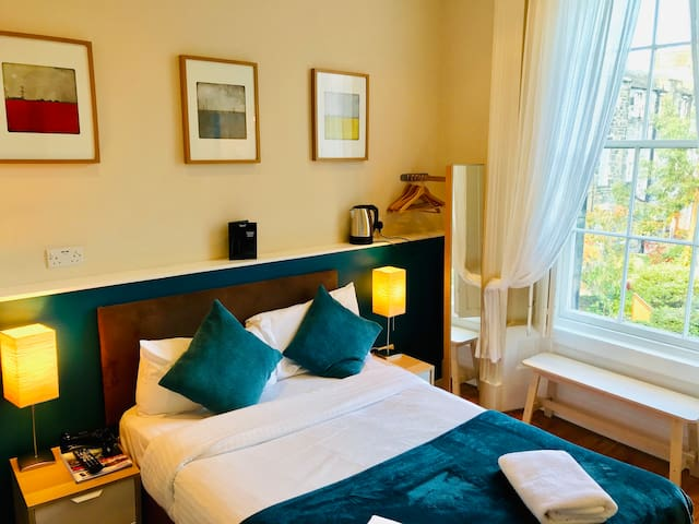 Dene Guest House ***  Edinburgh New Town