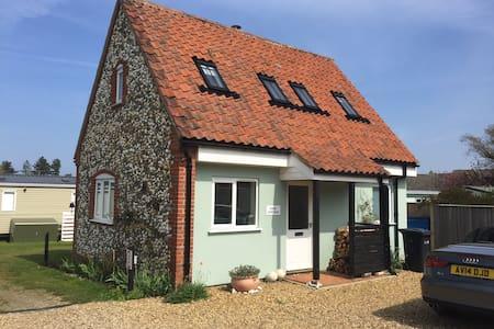 Sage Cottage, Burnham Overy Staithe - Burnham Overy Staithe - 独立屋