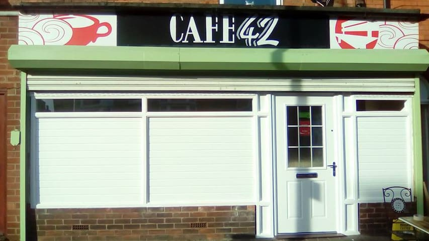 Lincoln Bed & Breakfast Centre 5 minutes Café 42.
