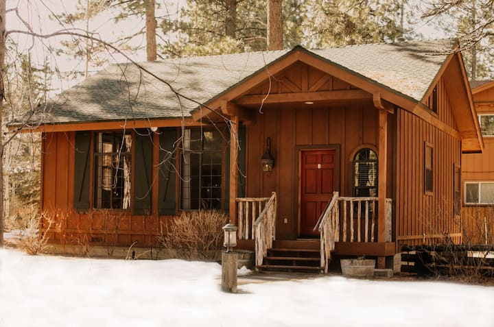 Black Bear Lodge and Cabins: The Hideout