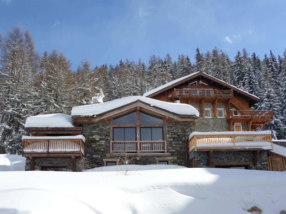 chalet de luxe 14 16 personnes chalets for rent in bourg saint maurice rh ne alpes france. Black Bedroom Furniture Sets. Home Design Ideas