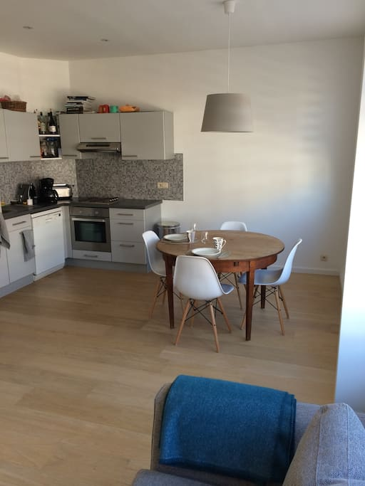Kitchen & place to eat, easily extendable for more guests!