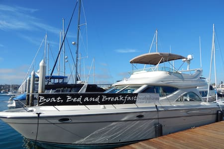 """SELL SELL SELL"" Boat, Bed & Breakfast - San Diego - Boot"
