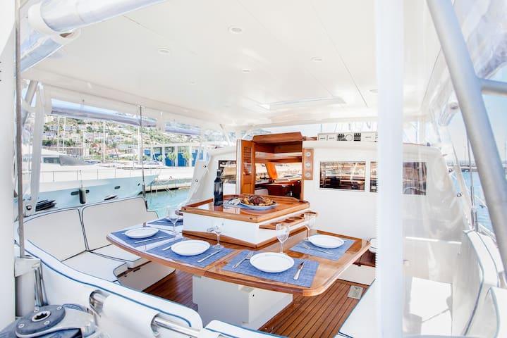 All-Inclusive Overnight Sailing Trip - Costa Brava