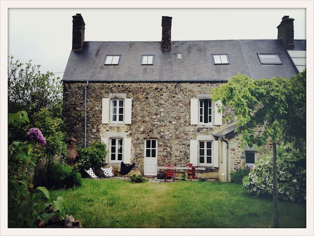 Family stone house near the sea - Blainville-sur-Mer - Haus