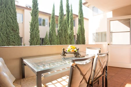 2br/2bath Rodeo Dr, Beverly Hills