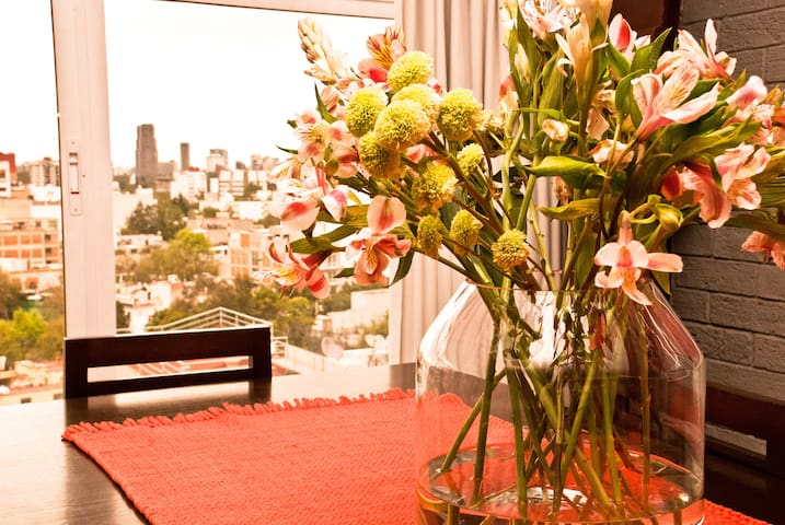 We like to make our guests feel special, so we welcome them with fresh-cut flowers, seasonal fruit, and pastries.