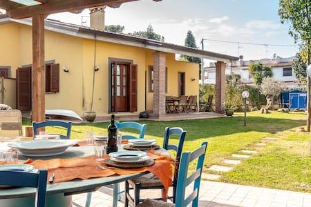 Confortevole casa a 1 km dal mare - Mediana Vecchia