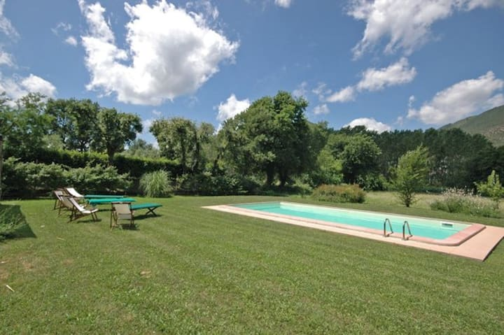 Piaggine 2 - Holiday Rental with pool near Lucca, Tuscany