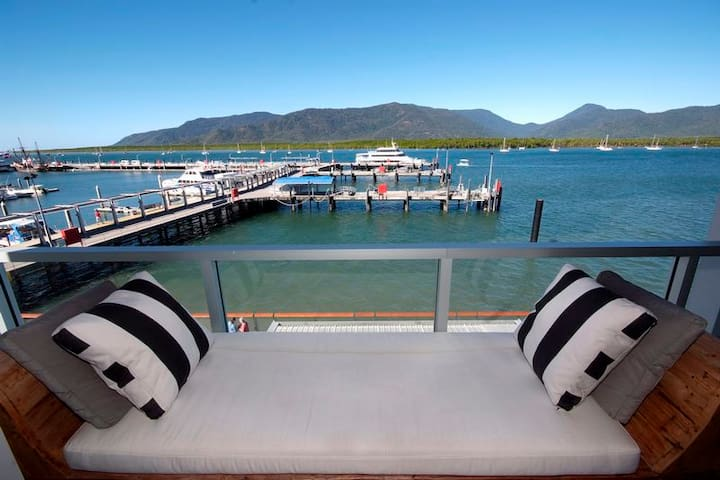 301 Harbour Lights Cairns