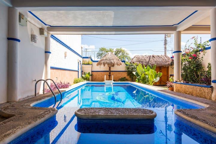 Secluded Villa near 5ta and Beach - Playa del Carmen - House
