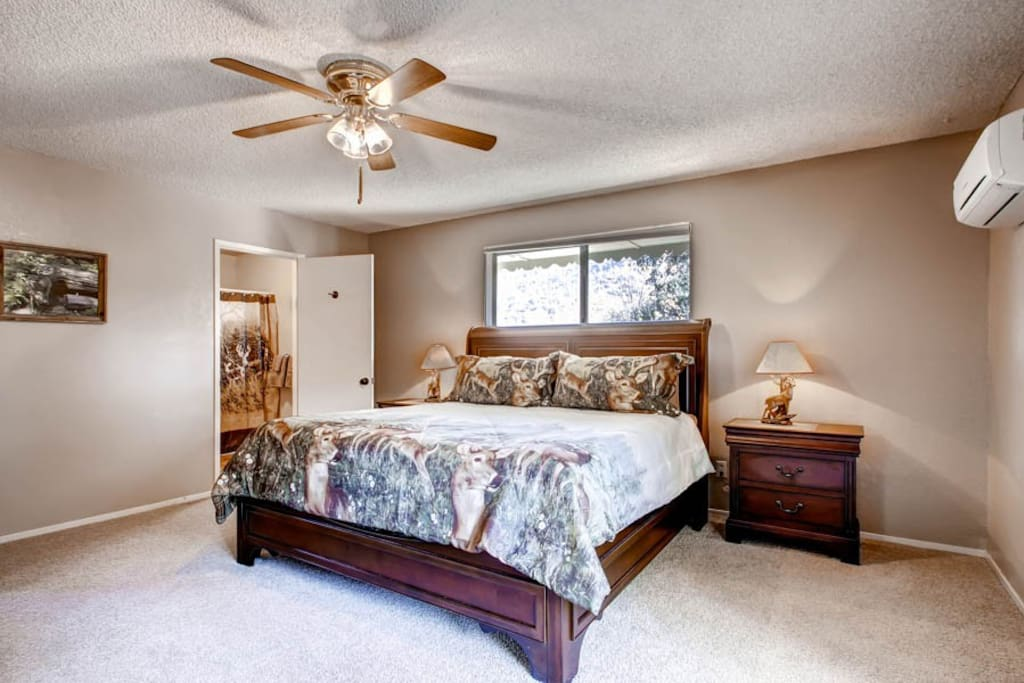 Upstairs room with Cal- King bed