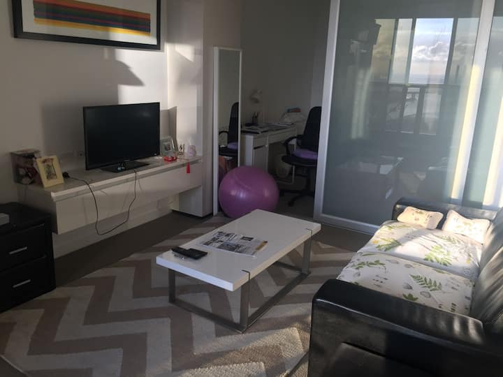 A Spacious Private Room in Melbourne CBD