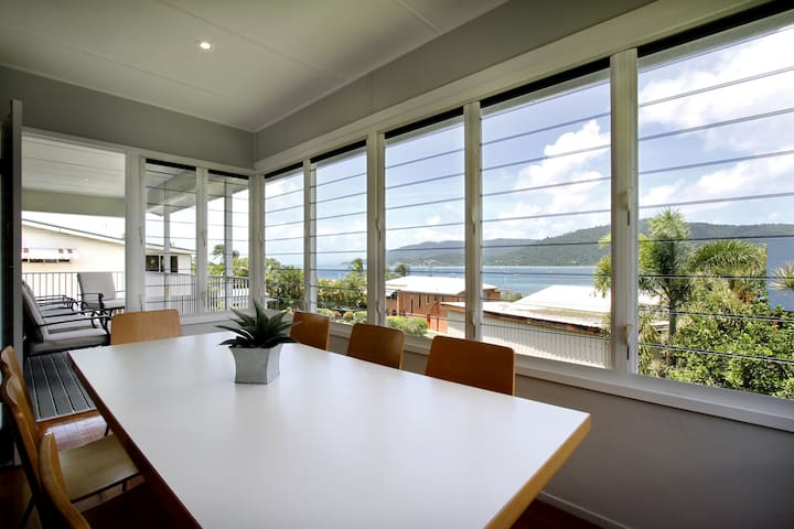 NORMS BEACH HOUSE -  Airlie Beach - Airlie Beach - House