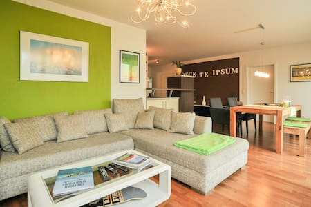 Central, clean and stylish 1 BR - Huoneisto