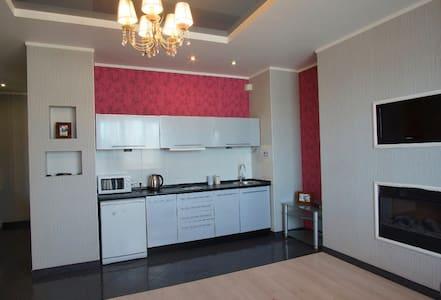 Роскошные двухкомнатные апартаменты в новострое - Kharkiv - Lejlighed