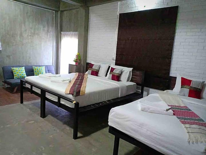 BAAN 9'NAN(r3). Family room