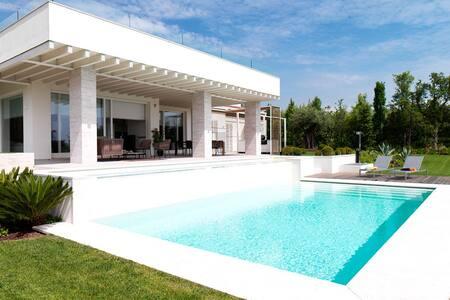 Villa Baldo mit maximalen Comfort - Padenghe sul Garda