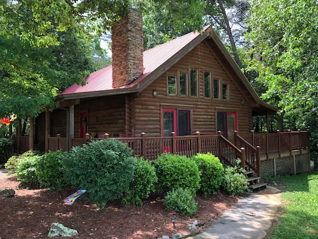 DEER CREEK CABIN-BEST CABIN AT FALL CREEK FALLS!