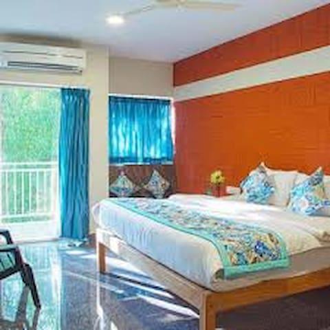 Hari Om Gokarna With Double Room With Bathroom