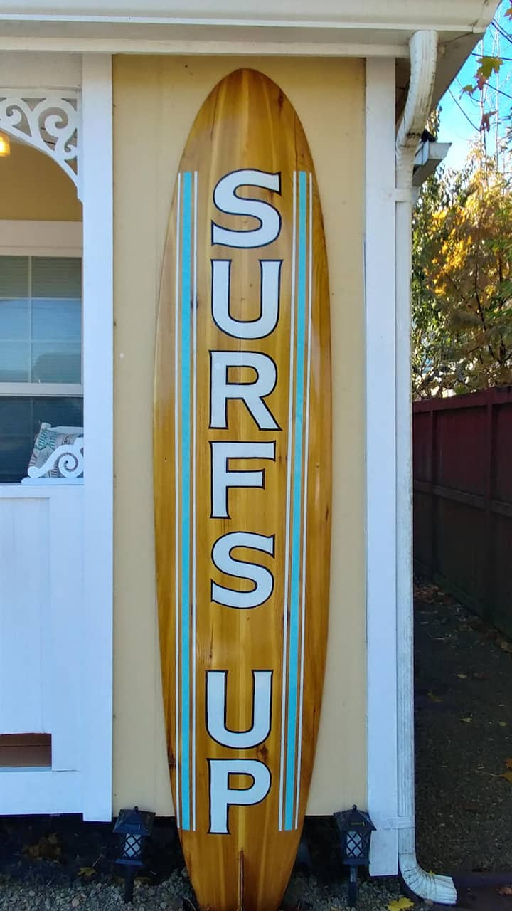 Surf's Up - Adorable cottage in town!
