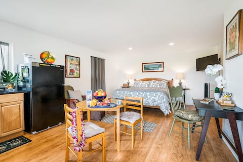 RATE INCL TAXES-CLEAN PRIVATE STUDIO w/ VIEWS