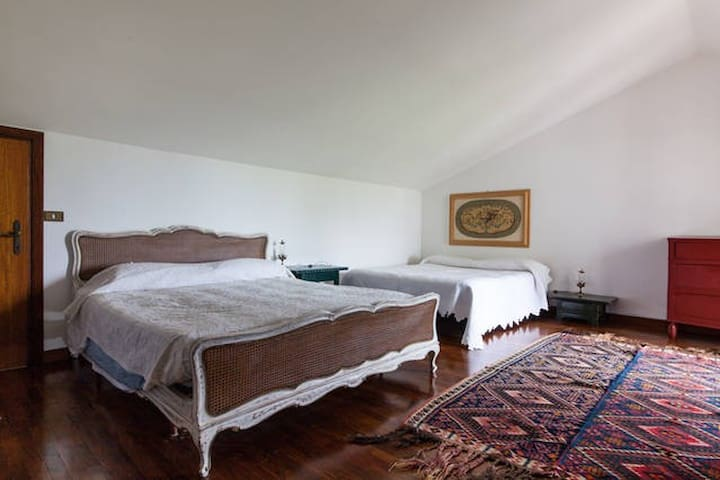 Quadruple room in Romantic Country House - Ravenna - Dom