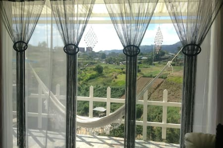 Excelente casa vacacional, negocios - Caracas - Casa