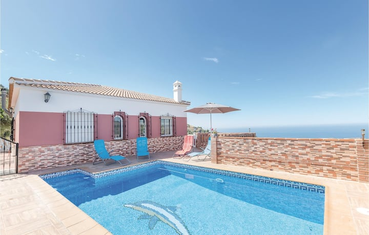 Beautiful home in Torrox with 3 Bedrooms and WiFi