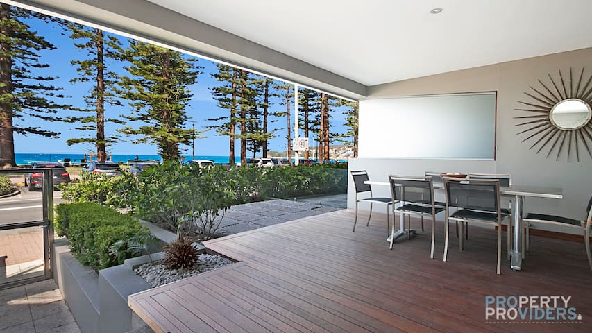 PROS - Manly Strand Holiday Apartment