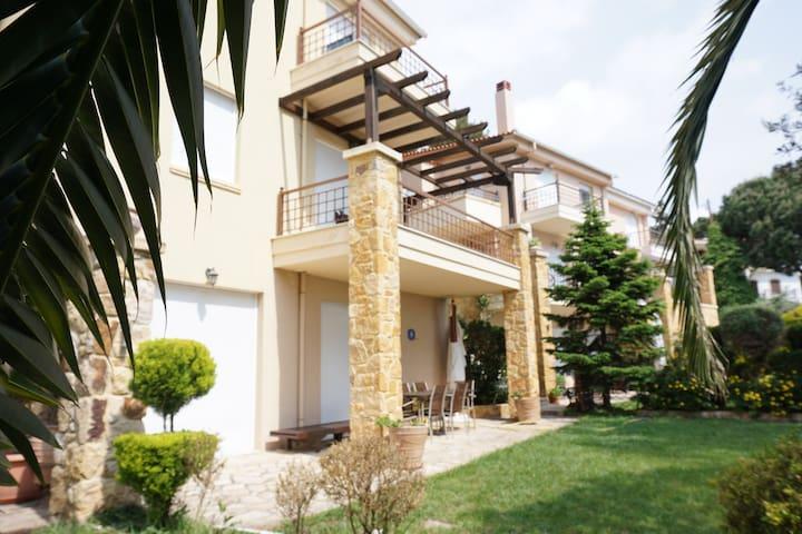 Exceptional Villa with Private Beach ✰ Palio KVL