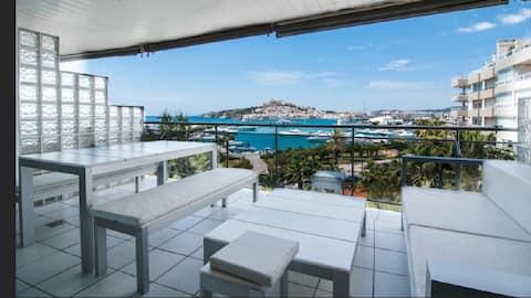Marina Botafoch two bed stunning view !