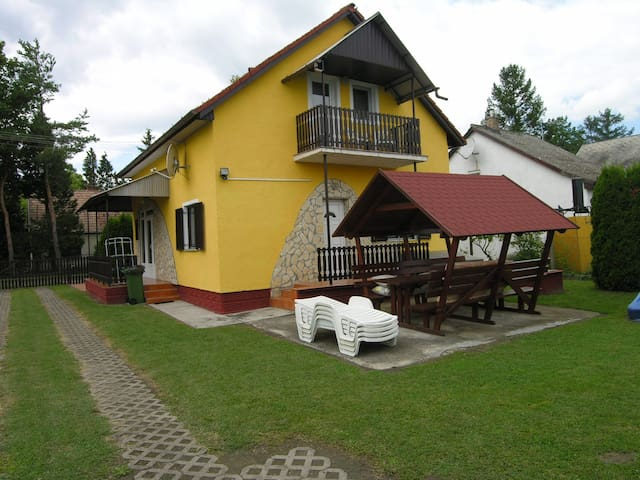 House for 8+1 persons with pool R16876