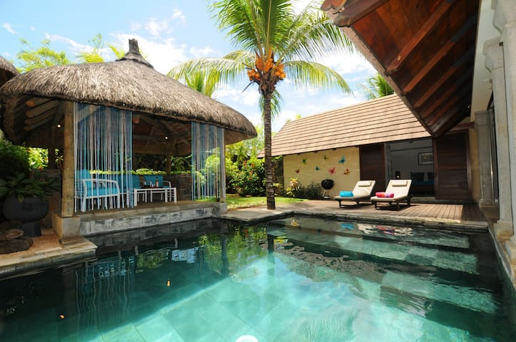 Villa for 2,north,total privacy on pool/garden