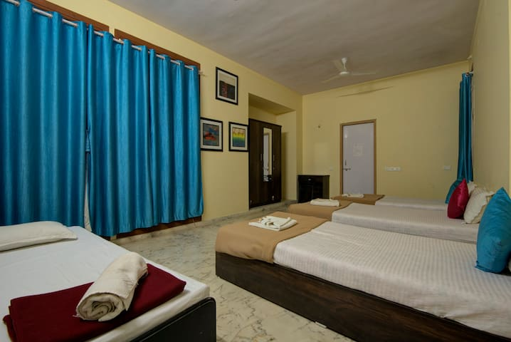 Comfortable Stay @ Thane Prime Location- Free Wifi