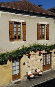 Bastide 1353 - Monpazier - Casa
