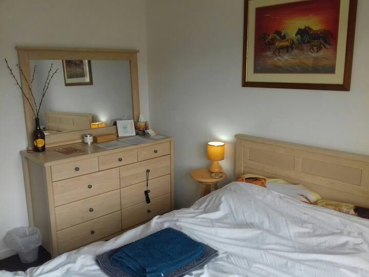 Cheltenham apartment near town centre & racecourse